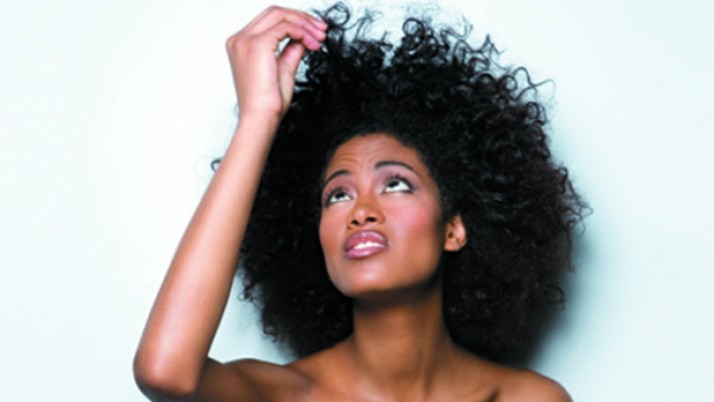 7 Trucos para no acabar odiando tus fabulosos rizos