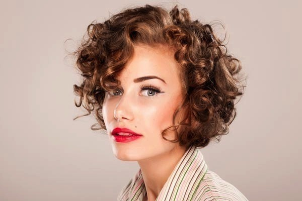 corte-cabello-bob-rizado