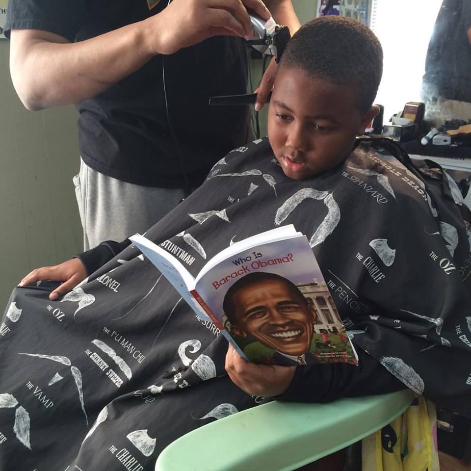 barbero descuento niños que leen