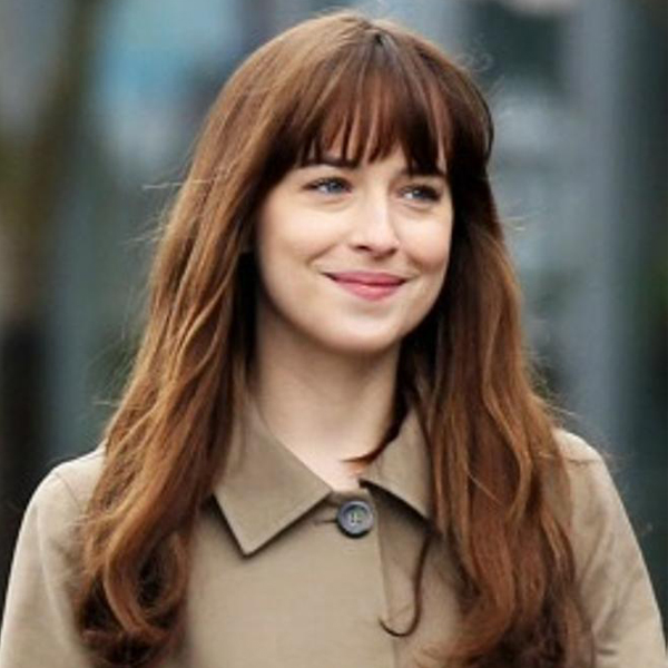 dakota-johnson-flequillo-largo-cabello