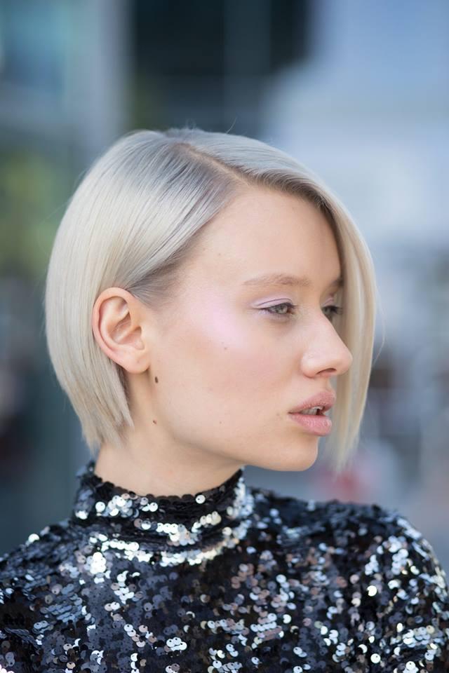 rubio platino tendencia peluqueria